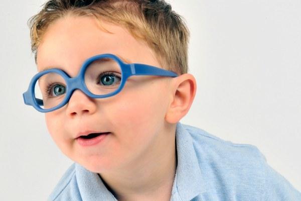 Очки при дальнозоркости у ребенка
