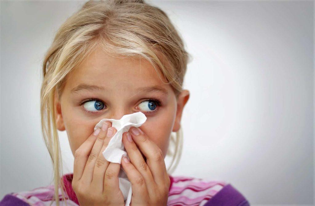 аллергический насморк у девочки
