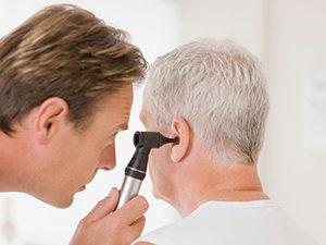 Диагностика полипов в ухе - отоскопия